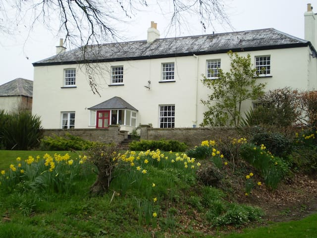 Buckley Farmhouse B & B