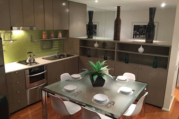 CROWN APARTMENT -Unlimited internet - Its a home - Darlinghurst - Departamento