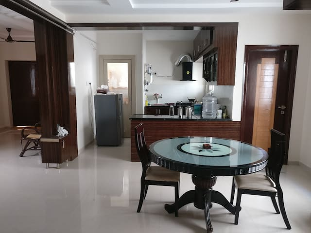 Private room with balcony in a 3BHK