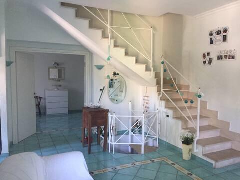 Beach villa, three floors, 200 meters from the beach