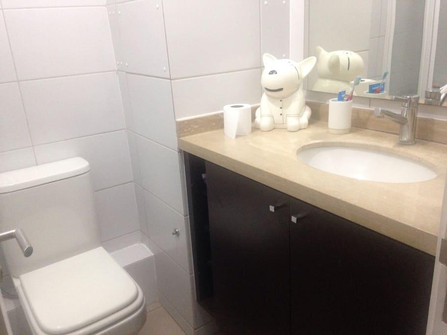 Baño exclusivo con ducha completa
