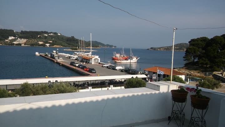 The most central house in Skiathos, right on port!