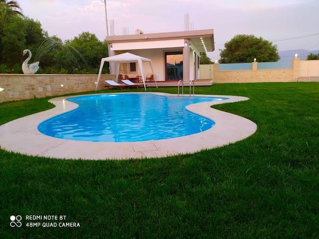 Chania Oasis with private pool near the beach