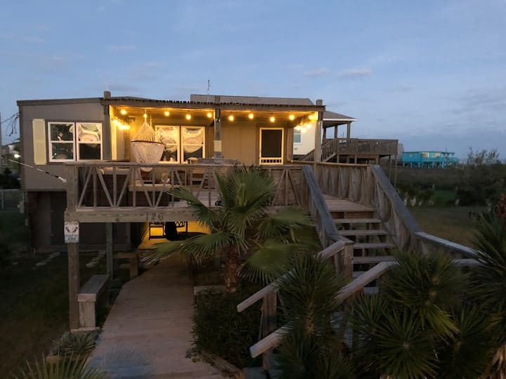 Beach Hideaway-GR8 Patios & MaRgArItA-ViEwS - HGTV