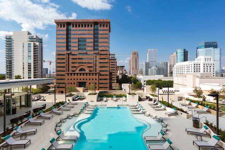Atlanta Luxurious Highrise Executive Suite Midtown