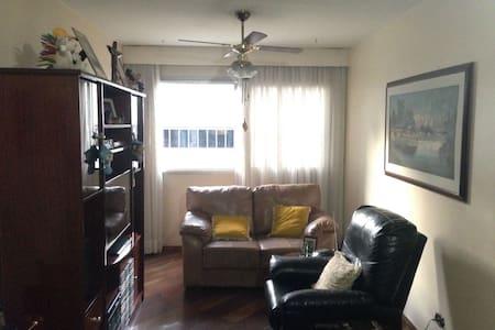 Apartamento na Vila Mascote
