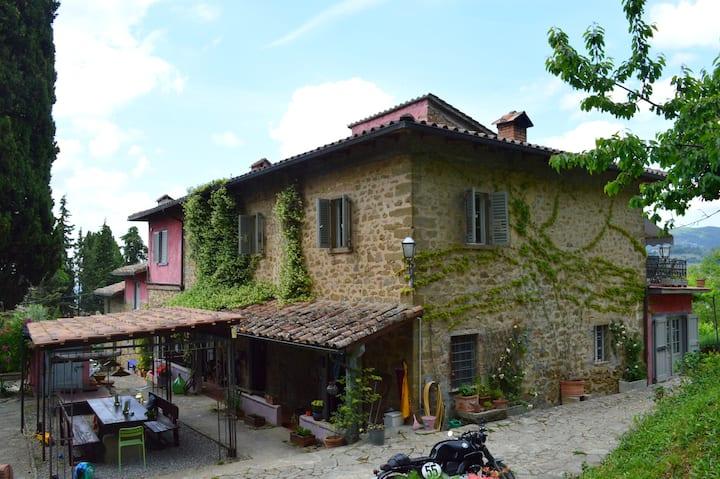 Casa Mezzomonte apt Alloro