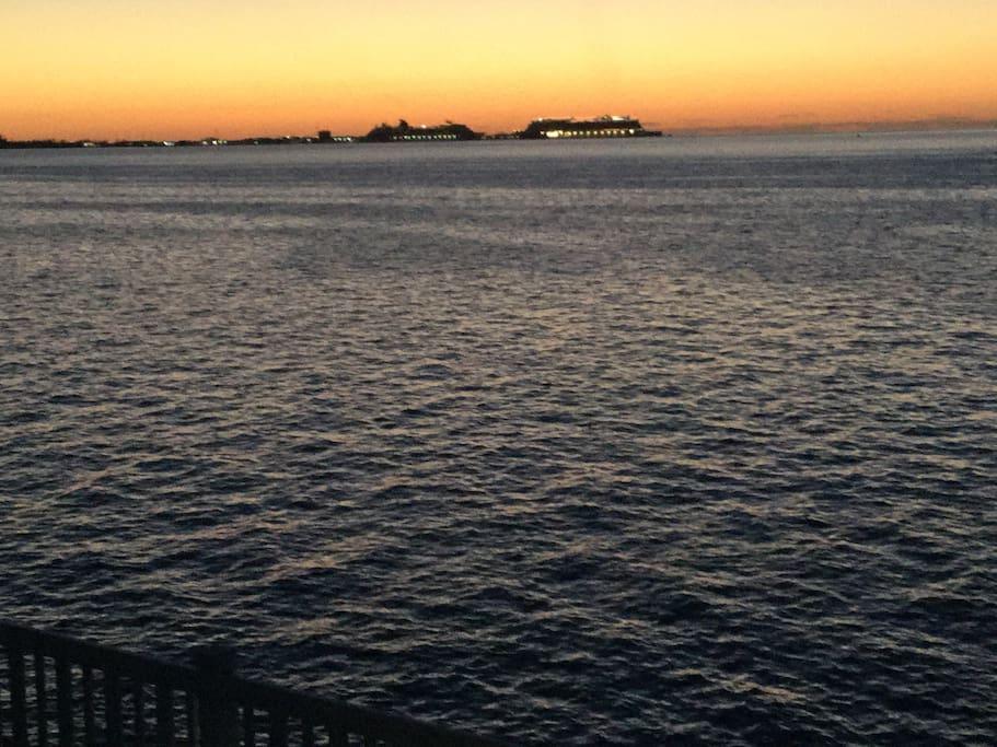Nightly view of sunset in Dockyard