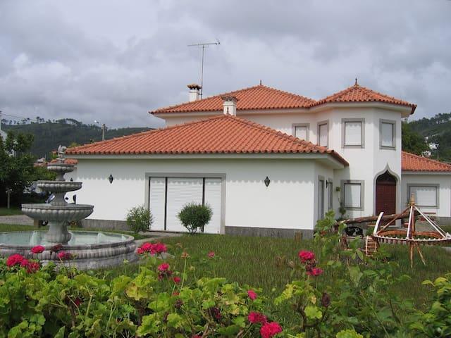 Casa Grande para férias em Grande - Areosa - Villa