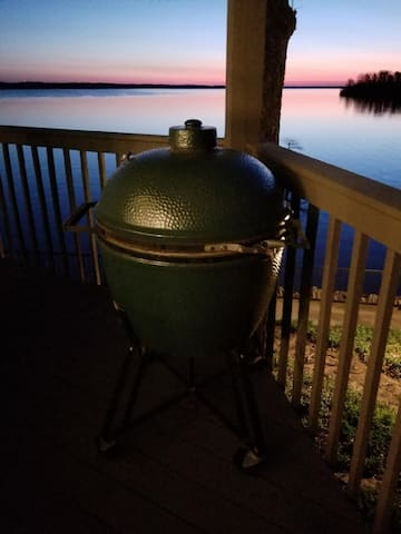 Big Green Egg available for guest use