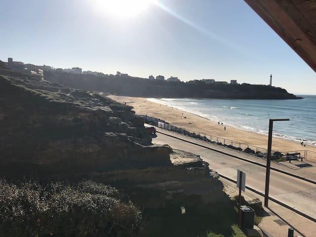 Vacances à la plage, Agréable T2 vue océan (2/4p.)