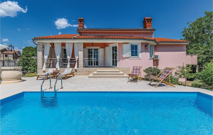 Nice home in Marcana with Outdoor swimming pool, WiFi and 4 Bedrooms