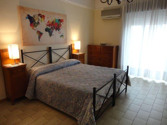 Spazio e comfort al centro della Sicilia - Caltagirone - Byt