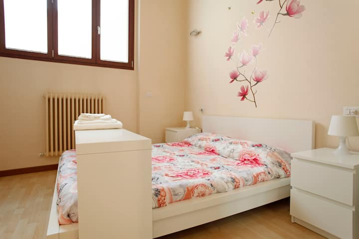 Orchid room. Lovely double room. Max 2 pax