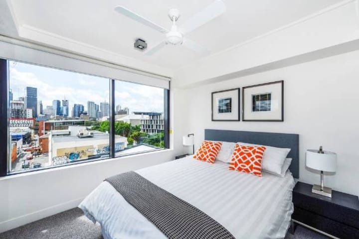 Southbank Premiunm Location 2 Bed Apartment