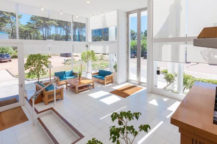 Habitación de hotel de dos ambientes 001