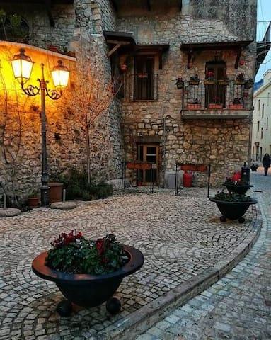 Casa storica  Borgo Maenza