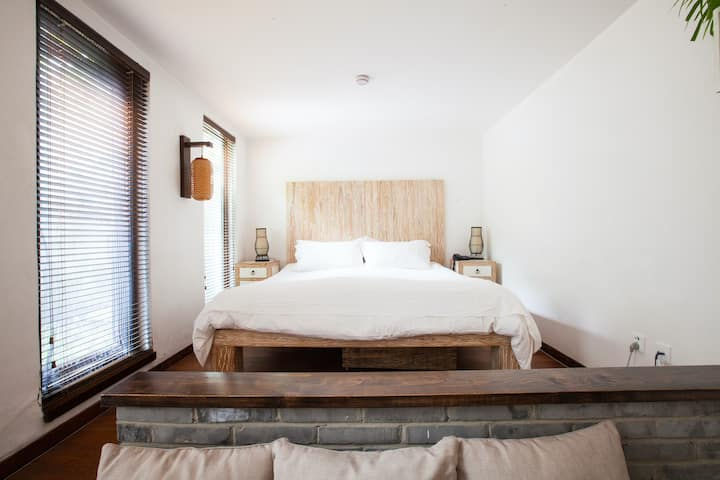Luxurious room w/garden in old renovated courtyard