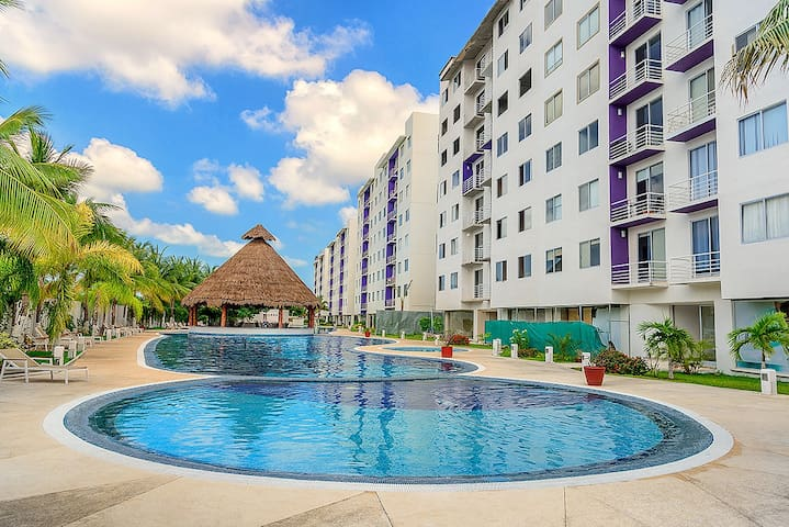 E-603 Turn Key, Stylish Cancun Downtown Apartment