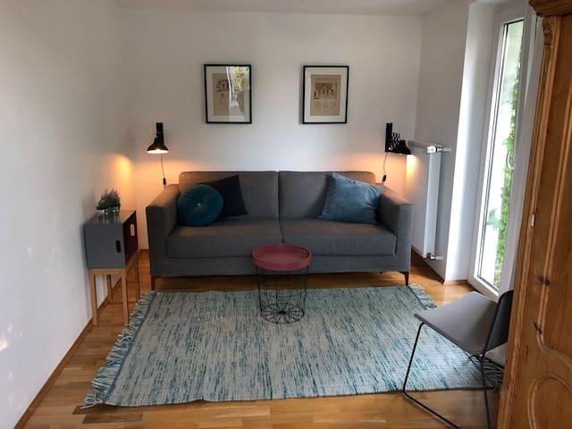 Schönes Zimmer in Solln mit Blick ins Grüne