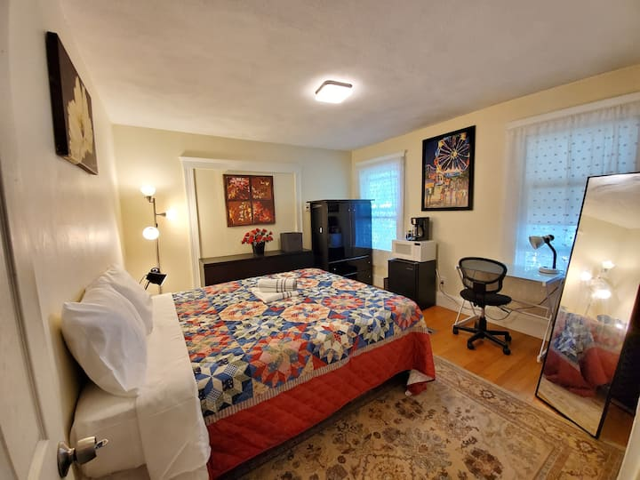 Near Tufts University-15 min/Airport/BOS