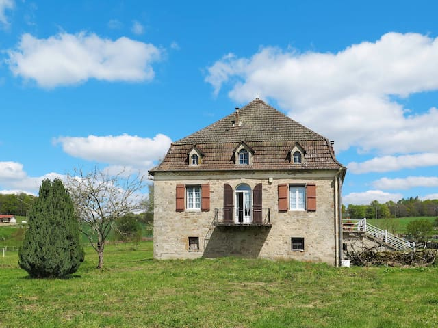 Holiday home in Sousceyrac-en-Quercy