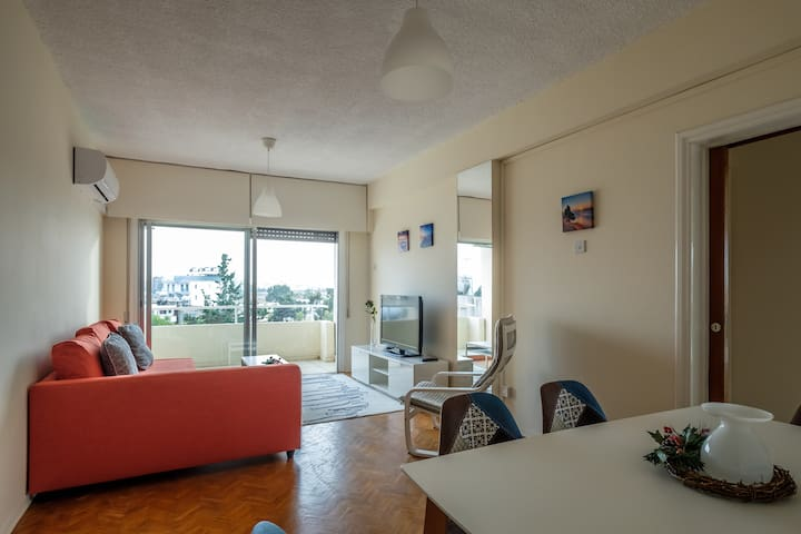Spacious 2BDR @ Mackenzie beach