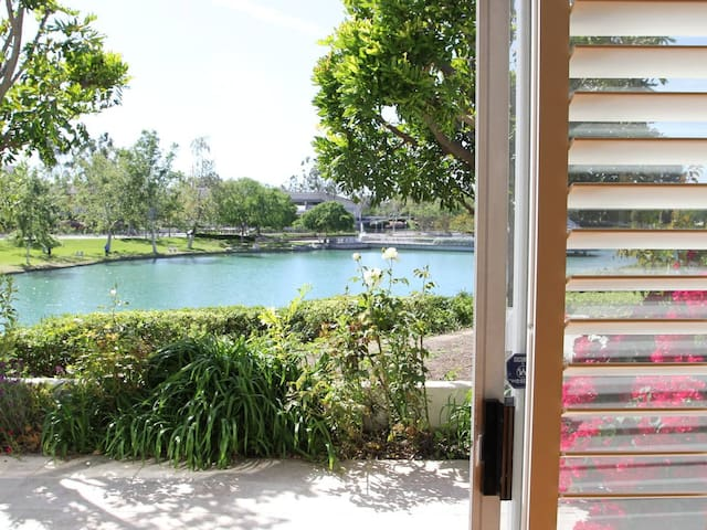#185 3B House right by the Lake - Irvine - House