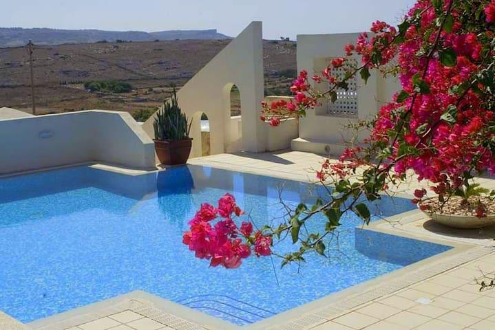 Tal Magna - Villa/Farmhouse with Pool