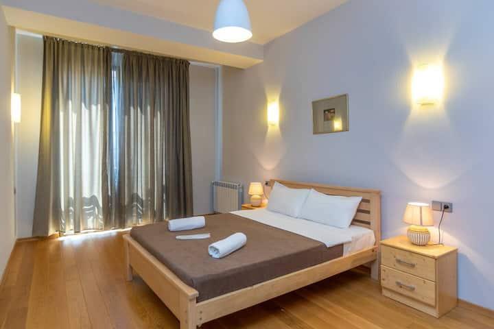 2BR&2Bathroom Spacious place near Rustaveli