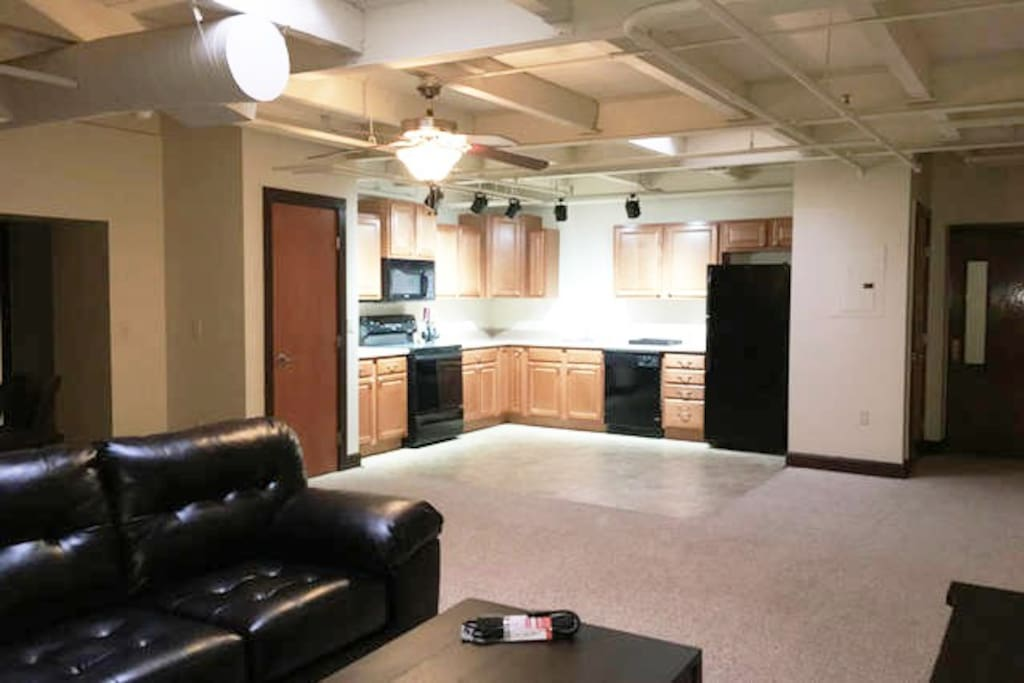122 Spacious 2 Bedroom Apartment In Old Town Apartments For Rent In Wichita Kansas United States