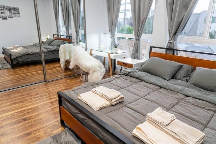 Fabulous stay in 4BR townhouse - LA luxury 300