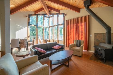Epic Santa Cruz Mountain Views w Rustic Home