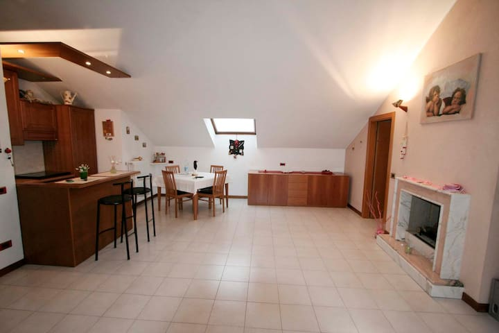 3 steps from the station: Casa Margarita - Bergamo - Appartement