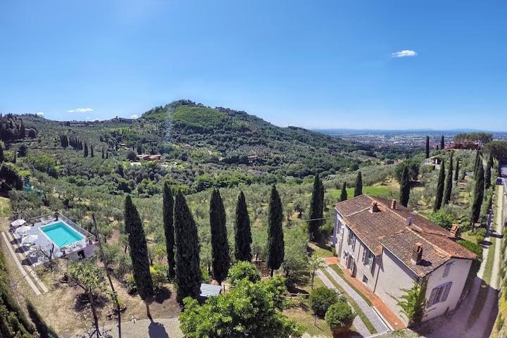 Villa Maona - villa con piscina tra Firenze e Pisa