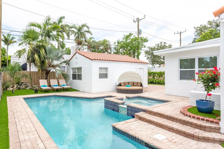 Beachy Style + Smart Villa w/ Heated Pool & Cabana