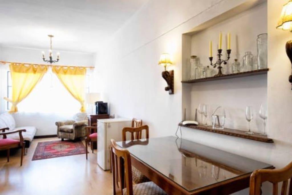 Diningroom & Livingroom.