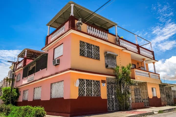 «B&B» LA TERRAZA ☆ ¡En un auténtico barrio cubano!