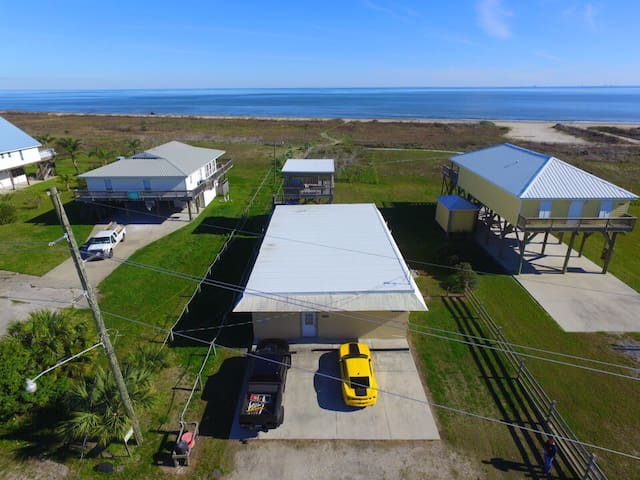 Tarpon Lounger 4 bedroom on beach in Grand Isle on ground level