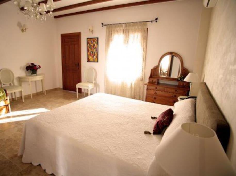 Habitaciones con terraza y baño completo individual