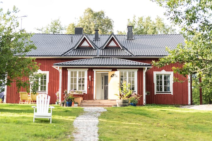 Cosy country home on a small scale farm for rent.