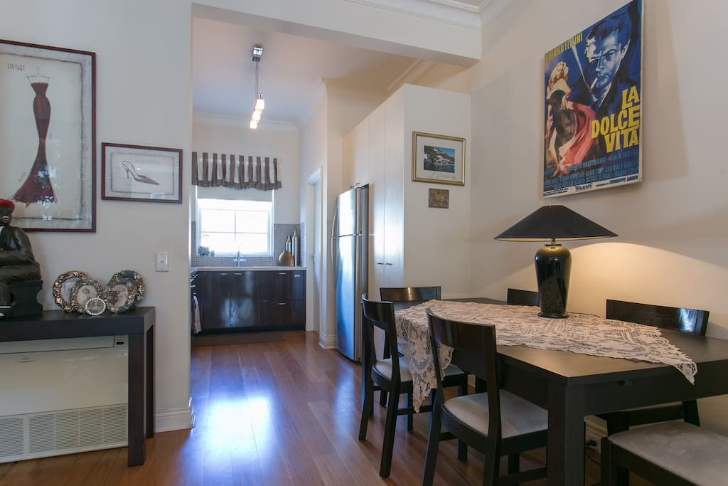Dining area with extendable dining table