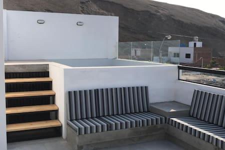 Moderna casa de playa, Las Salinas de Chilca.