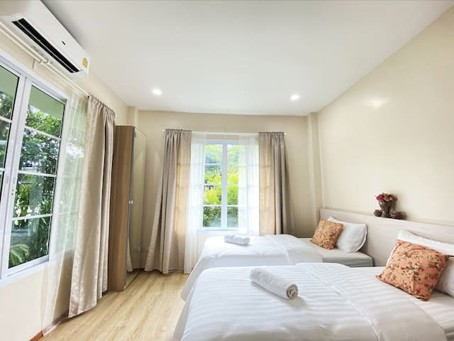 1-BR Private Villa in Pakchong incl breakfast