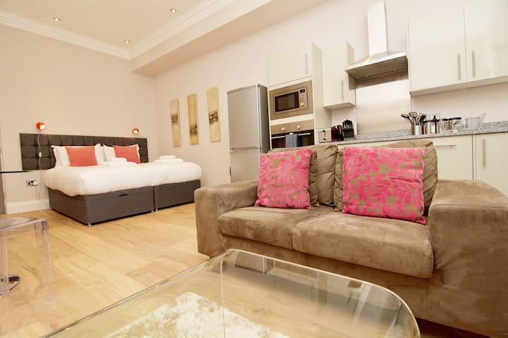 Harrogate Town centre Studio apartment sleeps 2