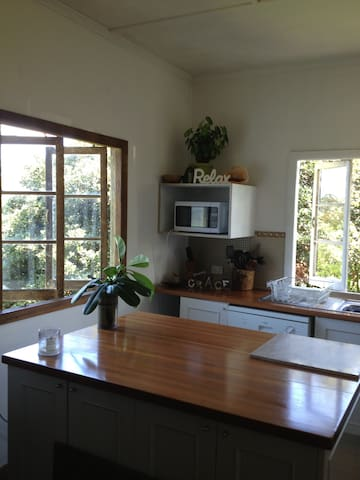 Cute Queenslander house in central Sunshine Coast