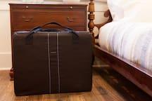 Portable crib provided