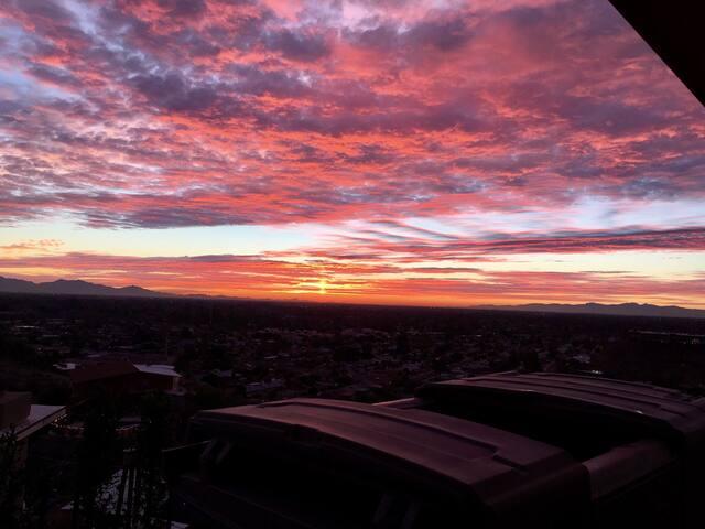 "The ""Nest"" 360 degrees views of Phoenix"