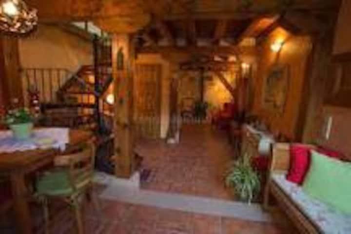 C.  Rural, Registro Turismo, 6 pax, a 4'  Pedraza