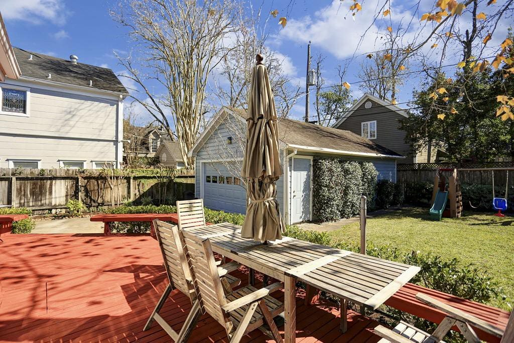 Large backyard deck  perfect for tailgating before the game!